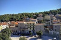 Ý: Rao bán nhà tại thị trấn cổ chỉ 1 euro