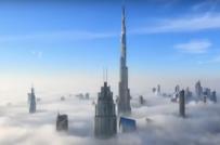 Ấn tượng với những tòa tháp cao chọc trời ẩn hiện trong sương mù ở Dubai