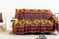 Thảm vải đầy sắc màu mang sức sống đến cho ngôi nhà