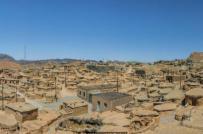 Những ngôi nhà cao chưa đầy 2m dành cho người lùn ở Iran