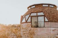 Bên trong ngôi nhà mái vòm độc đáo giữa sa mạc nước Mỹ