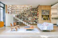 Có gì khác biệt trong phòng khách của những mọt sách chân chính?