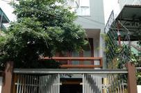 Nhà ống 4 tầng với kiến trúc lệch độc đáo giữa Sài Gòn