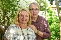 Cặp vợ chồng ở Anh dành 28 năm để biến cỏ dại thành khu vườn hút khách