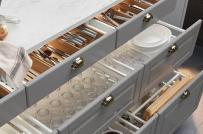 Tại sao bạn nên sử dụng ngăn kéo thay tủ đồ trong phòng bếp?