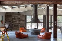 Ngôi nhà mang phong cách công nghiệp hiện đại với những điểm nhấn màu sắc