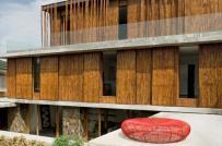 Hút mắt với biệt thự được bao phủ bởi hàng trăm thân tre ở Philippines