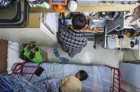 """Người dân Hồng Kông """"liều lĩnh"""" sống trong nhà xưởng do giá nhà quá cao"""