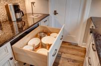 Bạn tốn không quá một giây để tìm đồ trong phòng bếp nhờ 6 mẹo nhỏ này