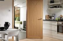 Tham khảo 10 mẫu cửa gỗ 1 cánh đa dạng về kiểu dáng