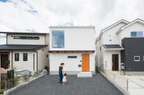 Học cách bài trí thông minh trong nhà phố 2 tầng ở Nhật
