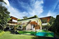 Mê mẩn ngôi biệt thự 2 tầng tựa ốc đảo xanh mát ở Singapore