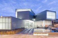 Viện triển lãm độc đáo với những khối kiến trúc đa giác xếp chồng
