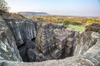 Độc đáo ngôi đền cổ được chế tác từ một khối đá duy nhất ở Ấn Độ
