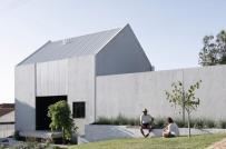 Ngôi nhà bê tông ở Tây Úc có khả năng tích trữ nước, sản sinh nguồn điện