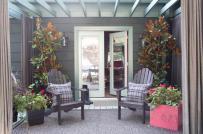 Tham khảo ý tưởng trang trí hiên nhà mùa đông đơn giản, tiết kiệm