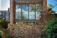 Ngôi nhà 45m2 thoáng đẹp được cải tạo từ nhà để xe cũ kỹ