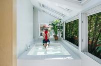 Căn hộ độc đáo có bồn tắm nằm trong phòng khách