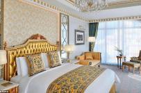 Bên trong khách sạn dát vàng siêu sang ở Dubai