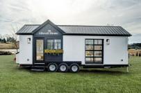 Bên trong ngôi nhà tí hon rộng 19m2 được rao bán với giá 100.000 USD