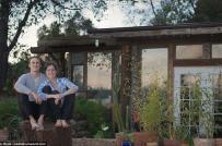 Nhà cấp 4 trong mơ của cặp đôi trẻ được làm từ vật liệu tái chế