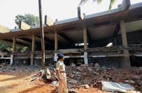Ấn Độ: Xây dựng trái phép, biệt thự gỗ bị phá hủy bằng mìn