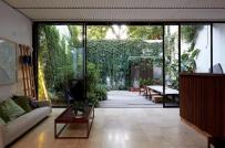 Không gian sống ngập tràn ánh sáng tự nhiên trong nhà phố 2 tầng ở Argentina