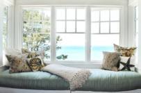 Thiết kế ghế ngồi bên cửa sổ lãng mạn và tiện dụng