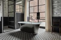 Trang trí phòng tắm đẹp mê ly với gạch lát sàn họa tiết