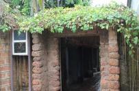 Có gì đặc biệt trong ngôi nhà 400 năm tuổi, 12 thế hệ sinh sống ở làng cổ