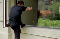 Mua căn hộ cao cấp vẫn phải vào nhà bằng cửa sổ