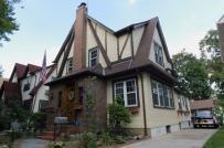 Cận cảnh ngôi nhà thời thơ ấu của ông Trump sắp bán đấu giá