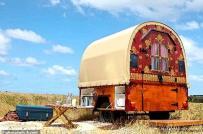 Nhà nghỉ độc đáo làm từ toa xe ngựa ở Úc