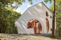 Mãn nhãn ngôi nhà gỗ hình thang độc đáo, bình yên giữa rừng