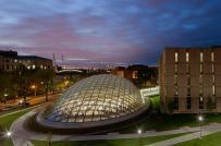 Thư viện độc đáo với mái vòm kính cường lực khổng lồ