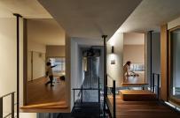 Độc đáo ngôi nhà Nhật với phòng ngủ treo lơ lửng
