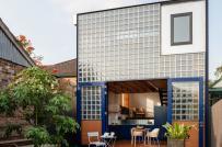 Ngôi nhà gạch kính với thiết kế nội thất cực ấn tượng