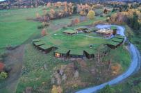 Mái cỏ xanh phủ kín cabin khách sạn ở Na Uy