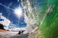 Sóng cuộn ngoạn mục ở Hawaii