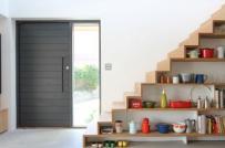 Gầm cầu thang tích hợp lưu trữ và trang trí nhà