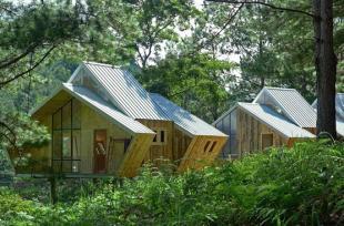 Mải mê ngắm cụm nhà gỗ lãng mạn trong thung lũng Đà Lạt