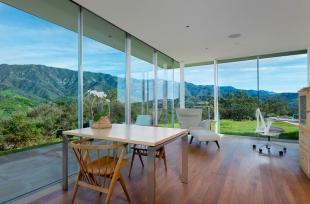 Tất tần tật những điều cần biết về kính cường lực trong thiết kế nhà ở