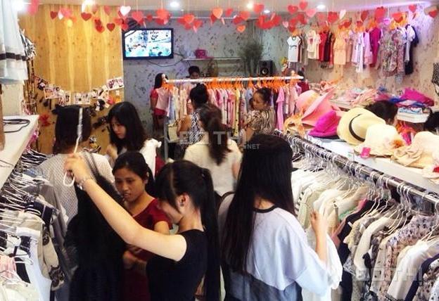 Cần cho thuê cửa hàng mặt phố Chùa Bộc, DT 25m2 7206728