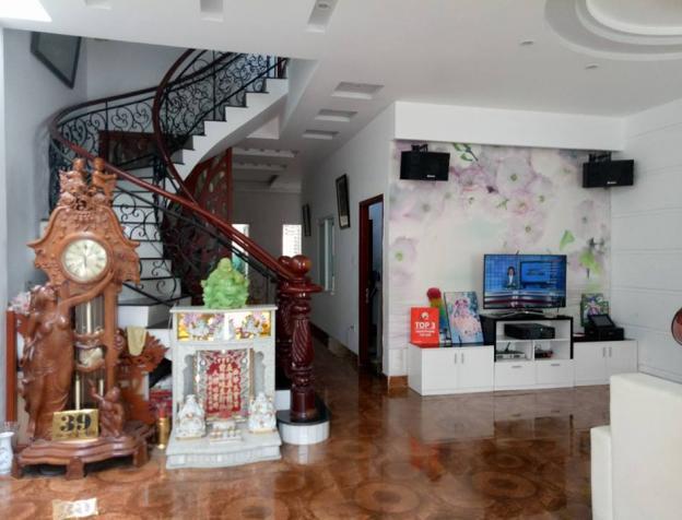 Bán biệt thự sân vườn đường Nguyễn Trọng Tuyển, Phường 10, Phú Nhuận. DT 305m2, giá hot 23 tỷ 7582547