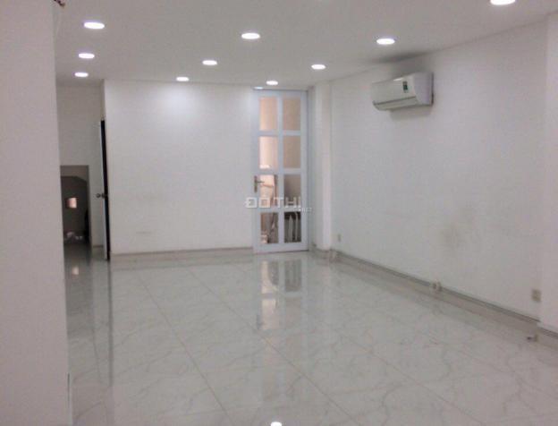 Cho thuê nhà phố Nguyễn Hoàng, An Phú, Q2, hầm trệt 2 lầu, giá 28tr/tháng. LH 0909246874 7597629