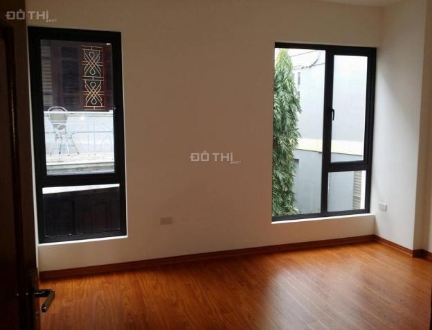 Bán nhà kinh doanh tốt tại Nguyễn Chí Thanh, Đống Đa, DT 45 m2 x 5 tầng. Giá 8,5 tỷ, LH 0984056396 7599462