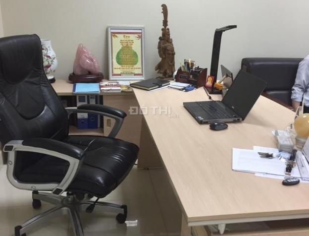 Cho thuê văn phòng Cầu Giấy, diện tích 80 m2, sàn thông, cho thuê giá rẻ 7709845