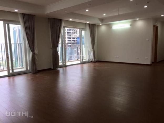 Căn hộ N04 Trần Duy Hưng tầng 19, 135m2, căn góc, 3 pn đều có ban công 15 triệu/th. LH: 0896651862 5322185
