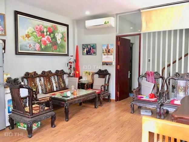 Bán nhà cực đẹp, ô tô vào nhà phố Cảm Hội, DT 60m2, MT 5m, 5 tầng, giá 7.15 tỷ. LH 0972681810 11902983