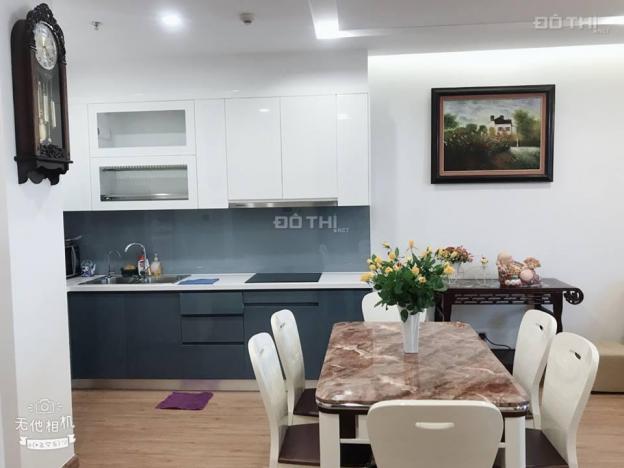 Cho thuê căn hộ 2 phòng ngủ chung cư Vinhomes Metropolis 29 Liễu Giai, 80m2, đủ đồ mới 100% 12025051